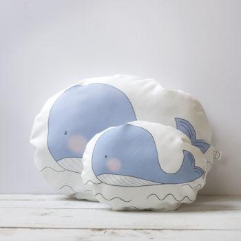 cojín ballena azul