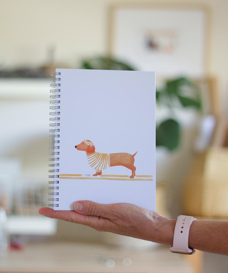 cuaderno-perro-salchicha-1